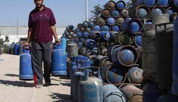 В таких баллонах поставляют сжиженный природный газ в Египте.