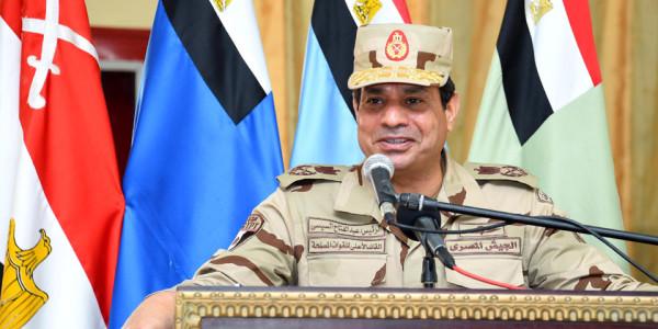 Выступление президента перед офицерами армии Египта.