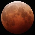 Полное лунное затмение будет наблюдаться в Египте