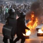 Протестовать против закона против протестов запрещено