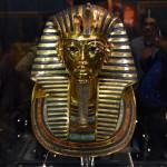 Погребальная маска Тутанхамона опять экспонируется